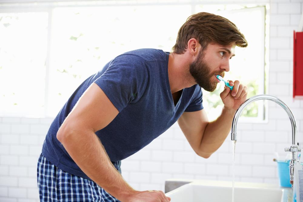 Erkeklerde Diş Bakımı