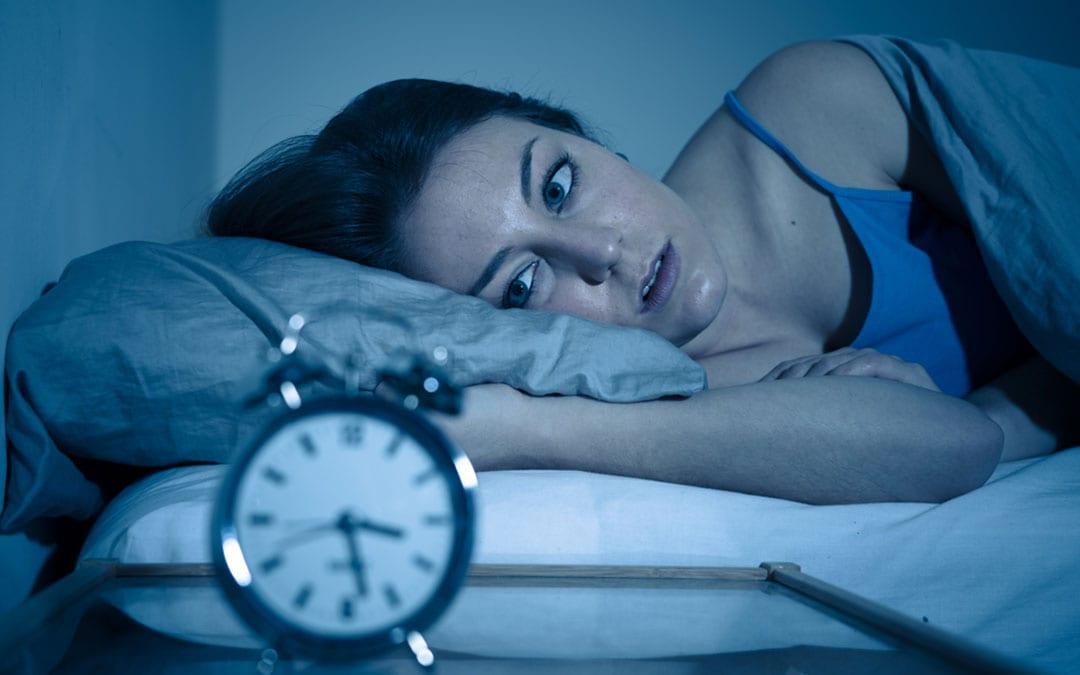 Sıcak havada uyuyamayan kadın